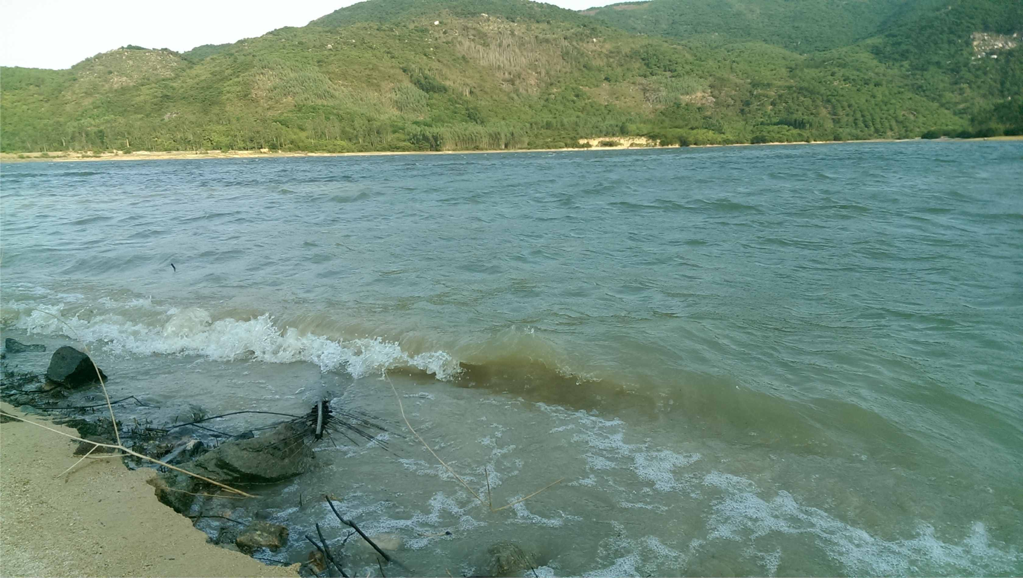Hồ thủy lợi